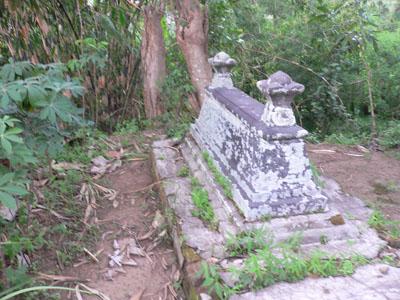 Salah Satu Makam Mbah Molor