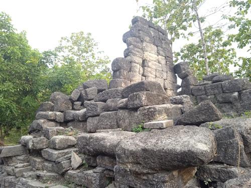 Inilah MISTERI Bau MAYAT Menyengat Dari Situs CANDI SIRIH (Penelusuran Jejak Mataram Kuno Oleh Tim Yayasan FBM)…